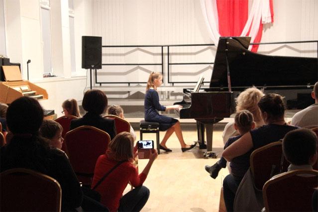 Audycja muzyczna w wykonaniu uczniow4