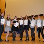 Nagrodzone uczennice (na zdjęciu brakuje Krysi i Zuzi W.)